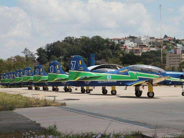 Aviões da Força Aérea em uma das pistas do aeroporto Campo de Marte Foto: Willian Queiroz / Futura Press