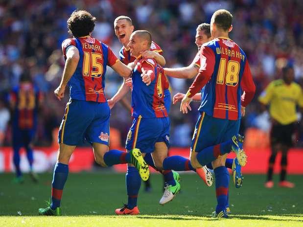 Vitória por 1 a 0 em Wembley recolocou time londrino na elite após oito anos Foto: Getty Images