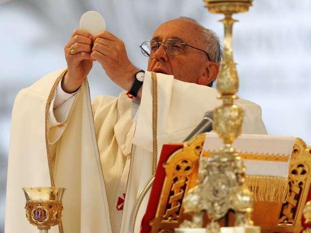 O papa Francisco celebra a missa de Corpus Christi na Basílica de São João de Latrão, em Roma Foto: Reuters