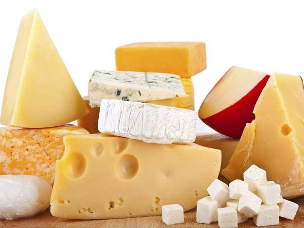 Além de aumentar a produção de saliva, estudiosos concluíram que o queijo tem composição que protege o esmalte dos dentes Foto: Getty Images