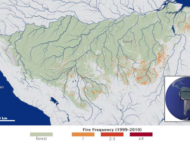 Pesquisadores mapearam pela primeira vez a frequência e extensão de incêndios ao longo de 3 milhões de quilômetros quadrados na região amazônica; imagem divulgada pela Nasa mostra frequência das chamas Foto: Nasa / Divulgação