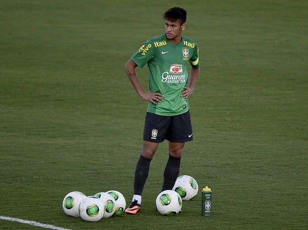 Neymar tem queda significativa em aproveitamento de finalizações nos últimos jogos Foto: Ricardo Matsukawa / Terra