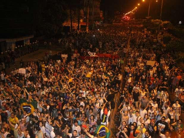 PA: protesto termina com elogios entre PMs e manifestantes