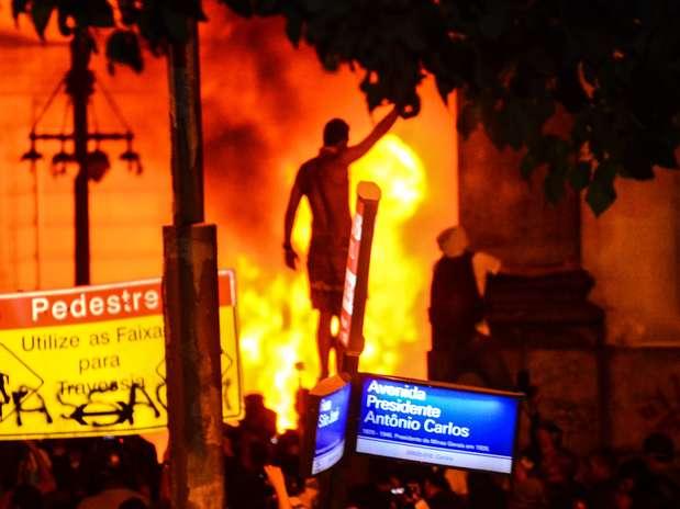 Veja mais de 280 fotos da onda de protestos em todo o País