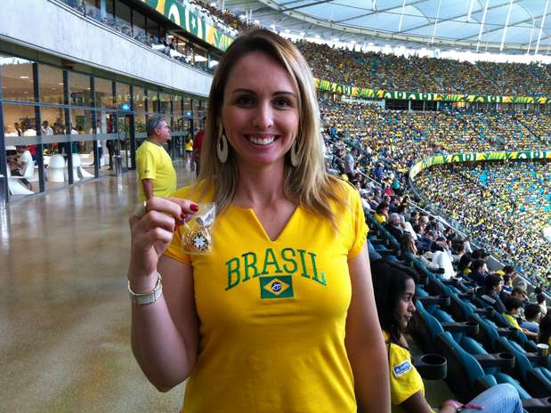 Marin chamava torcedores para distribuir brindes Foto: Terra