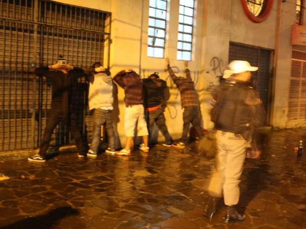 Segundo a Brigada Militar, 103pessoas foram presas durante protesto em Porto Alegre Foto: Felipe Schroeder Franke / Terra