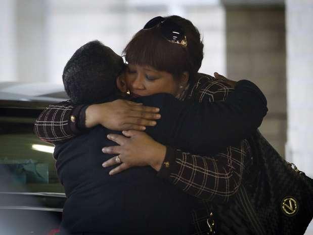 Zindzi Mandela, filha do ex-presidente, esteve no hospital nesta quarta-feira Foto: AP