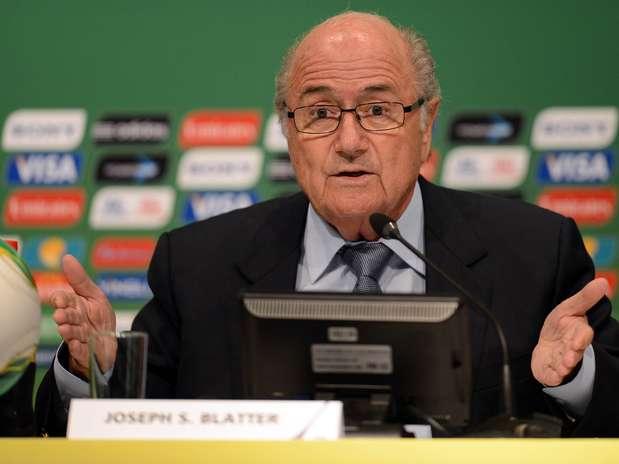 Joseph Blatter esteve na abertura da Copa das Confederações e logo foi acompanhar o Mundial Sub-20 Foto: Daniel Ramalho / Terra