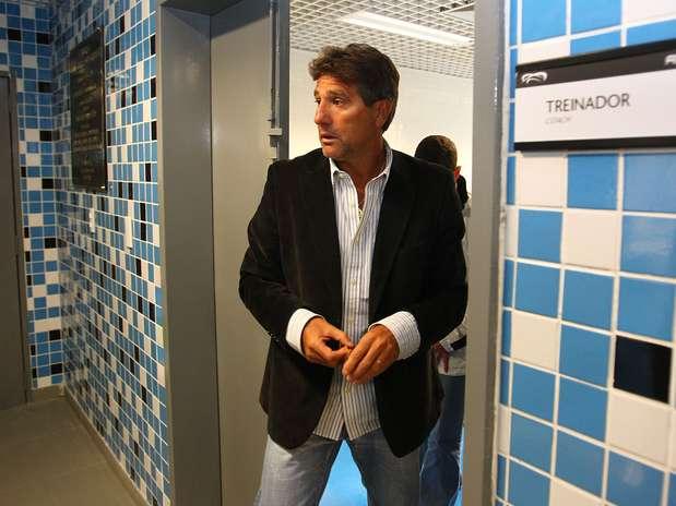 Treinador foi apresentado nesta terça e já comandou coletivo com o elenco Foto: Lucas Uebel/Grêmio FBPA / Divulgação