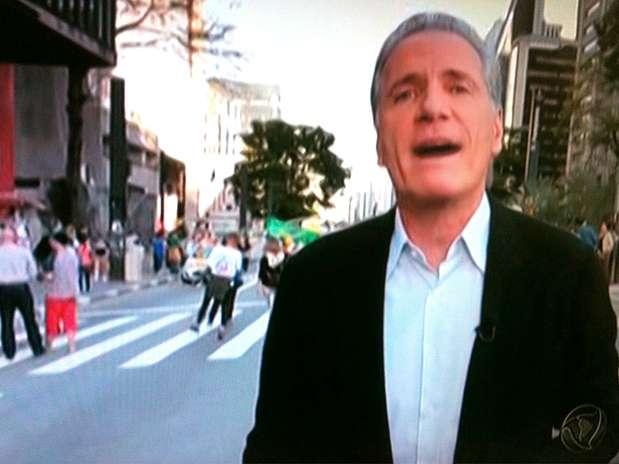 Imagem do programa da TV Record que usou trucagem para ludibriar telespectadores, nesta terça Foto: Reprodução