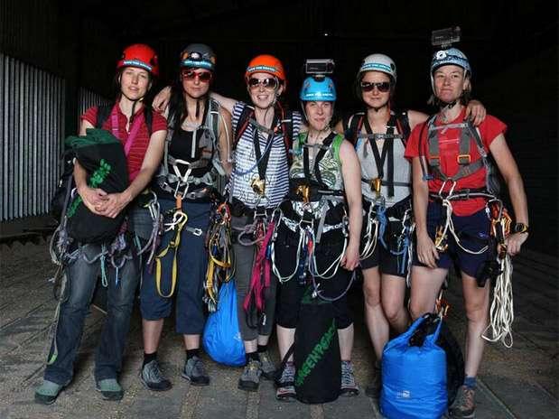 Segundo o Greenpeace, as seis mulheres são bem treinadas para a escalada Foto: Twitter / Reprodução