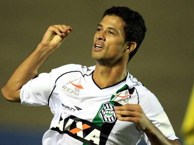 Atacante marcou o quarto gol nos dois primeiros jogos com a camisa do time catarinense Foto: Carlos Costa / Futura Press