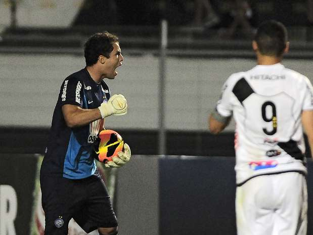 Ponte Preta teve dois pênaltis, mas William viu goleiro do Bahia defender ambos Foto: Rodrigo Villalba / Futura Press