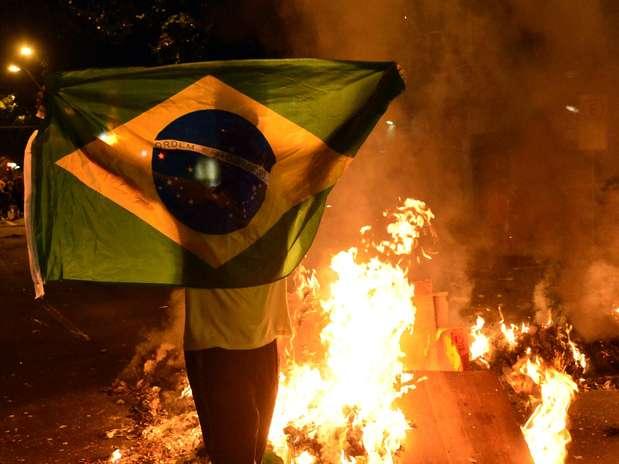Manifestantes protestaram contra o governador do Rio de Janeiro nesta quarta Foto: Daniel Ramalho / Terra