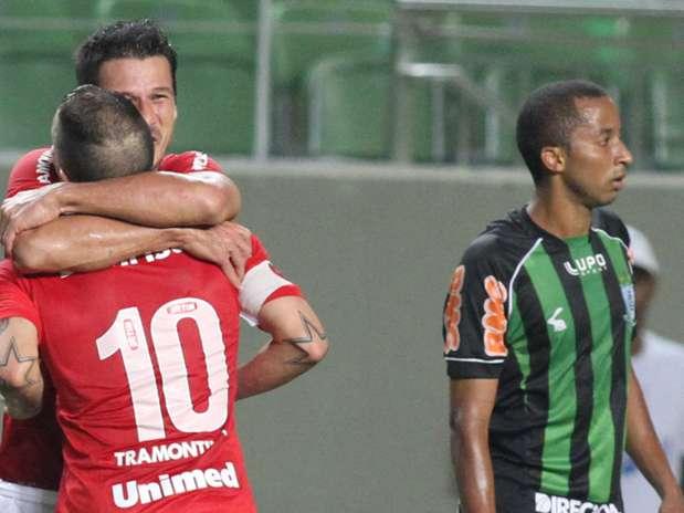 Time colorado saiu atrás no placar, mas conseguiu empate com D'Alessandro Foto: Paulo Fonseca / Futura Press
