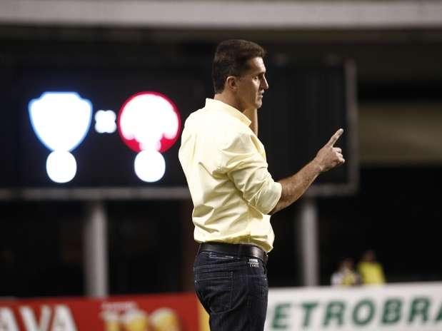 Mancini não viu clube parananese marcar gols em sua estreia no comando Foto: Tarso Sarraf / Agif / Gazeta Press