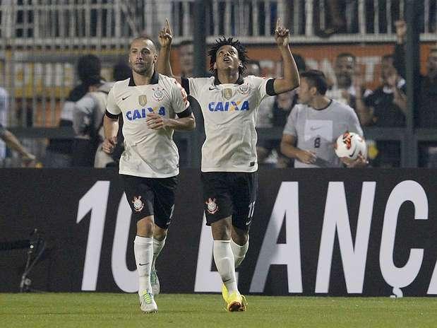 Com gols de Romarinho (foto) e Danilo, Corinthians fez 2 a 0 e selou título no Pacaembu Foto: Ricardo Matsukawa / Terra
