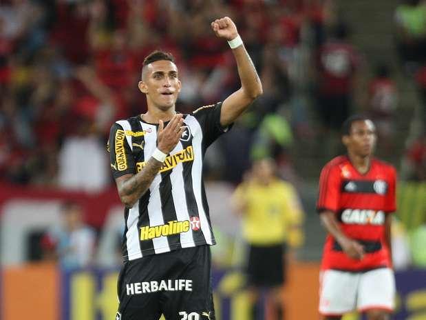 Rafael Marques fez um golaço aos 21 minutos do 1º tempo / Paulo Sérgio - Agência Lance