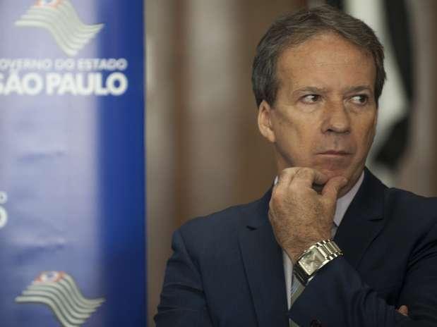 O secretário-chefe da Casa Civil do Estado de São Paulo, Edson Aparecido, concedeu entrevista coletiva nesta sexta-feira Foto: Marcelo Camargo / Agência Brasil