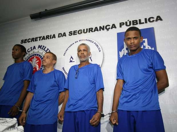 Polícia baiana disse que Cléverson Santos Teixeira, o Bobó (primeiro à esquerda) confessou a morte do coreógrafo Augusto Omolú Foto: Polícia Civil da Bahia / Divulgação