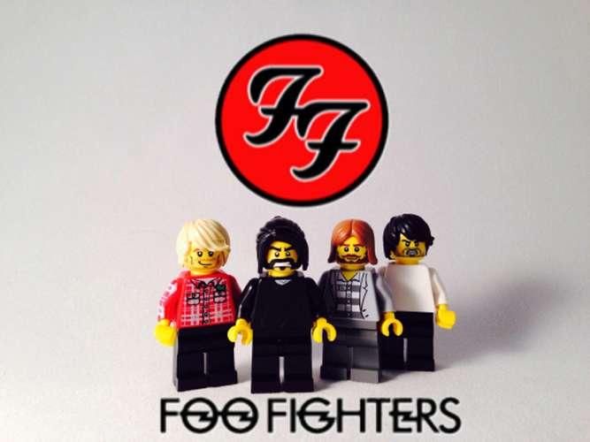 Ay va, qué chorrazo! - Página 4 Foo-fighters-legolised