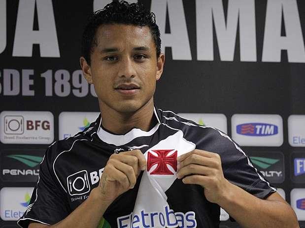 Yotún é aposta do Vasco para a lateral esquerda em 2013 Foto: Marcelo Sadio/Vasco / Divulgação