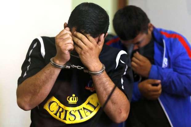Los 16 detenidos en Valparaíso quedaron en libertad. 11 de ellos con medidas cautelares como no ingresar a estadios por un año. Ocho son fanáticos de Colo Colo y tres de Santiago Wanderers. Foto: ATON