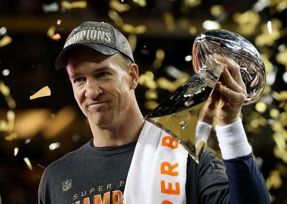 Payton Manning, do Denver Broncos, foi decisivo no Super Bowl com seus passes Foto: Getty Images
