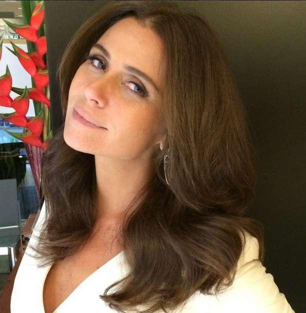Juliana Paes trocou o cabelo longo por um long bob e doou os fios para a Fundação Laço Rosa, que faz perucas para pacientes com câncer Foto: @julianapaesoficial/Reprodução/Instagram