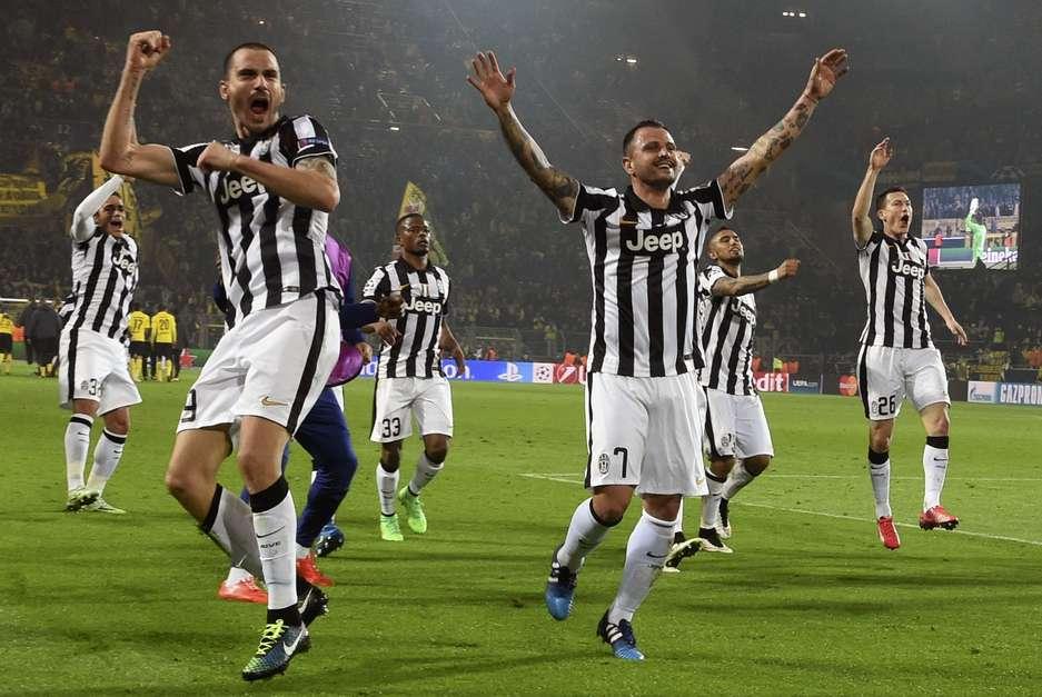 Juventus comemorou vitória fora de casa e volta às quartas de final da Champions Foto: Fabian Bimmer