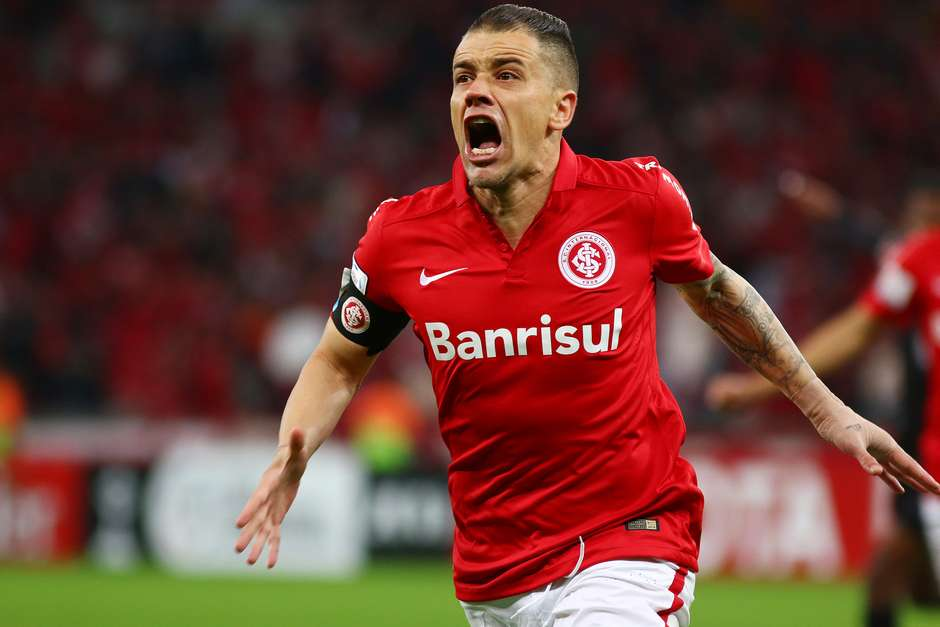 D'Alessandro festeja primeiro gol do Internacional Foto: Lucas Uebel / Getty Images