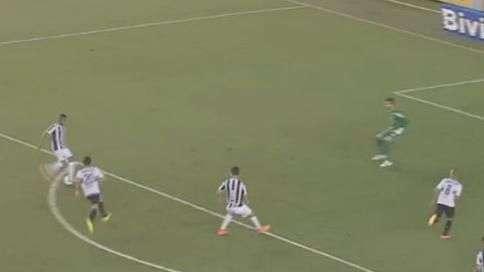 Top 3: Robinho encobre com 'tapa' e marca golaço da rodada