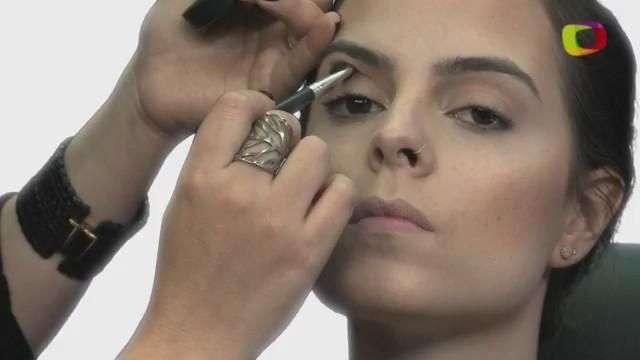 Pele perfeita valoriza maquiagem e emagrece; veja como fazer