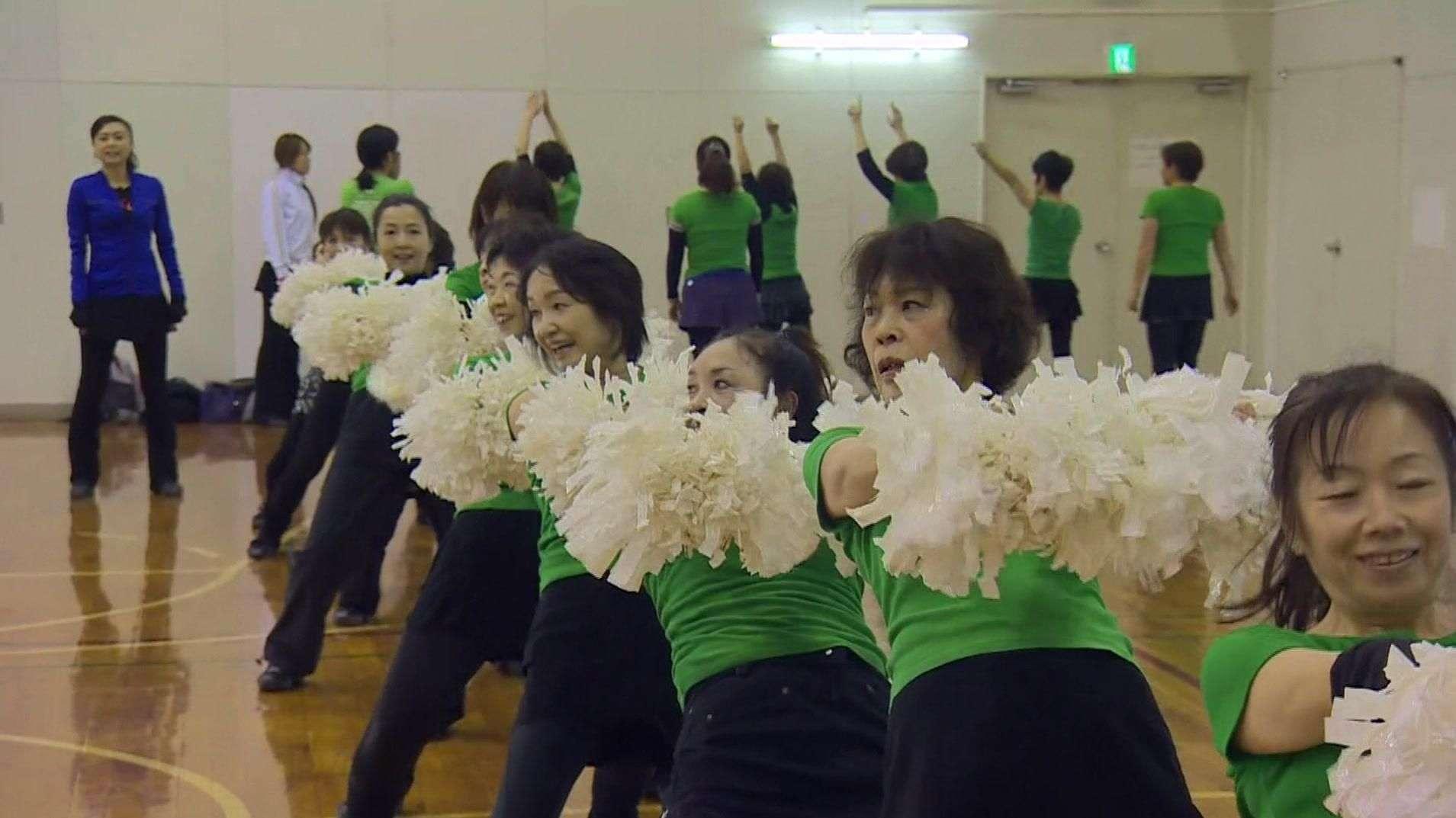 No Japão, animadoras de torcida da 3ª idade mostram talento