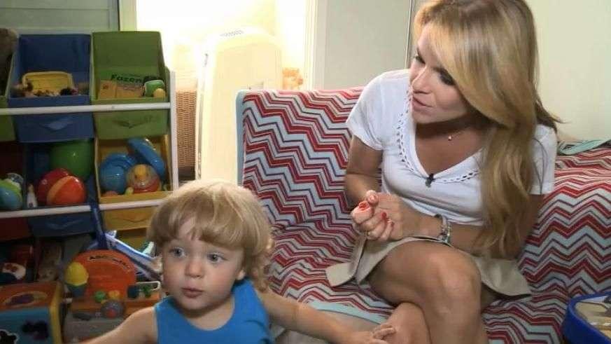 Carol Minhoto, da Gazeta, apresenta bebê e mostra vida saudável