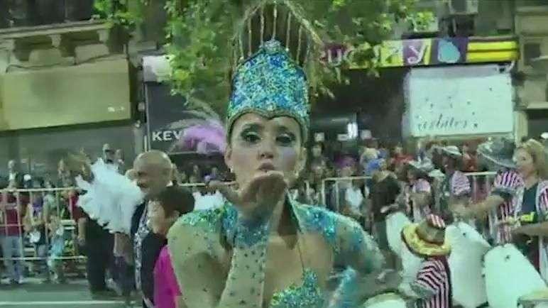 Carnaval no Uruguai já começou e é o mais longo do mundo