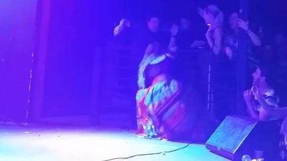 Rosanah leva choque e desmaia cantando 'O Amor e o Poder'