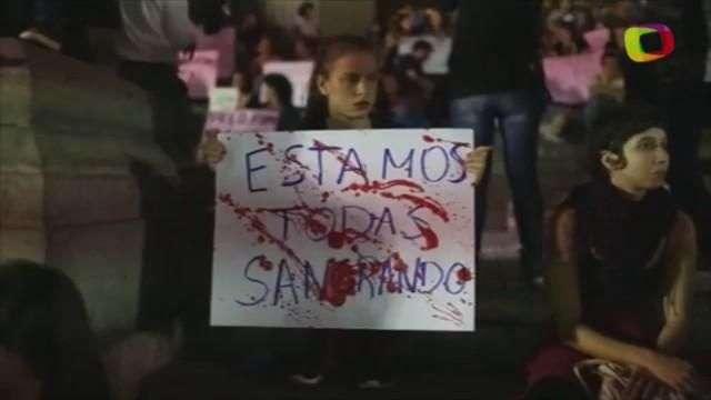 Cariocas protestam contra o estupro coletivo de jovem no Rio