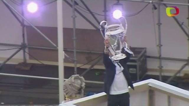Real festeja o 11º título da Champions com seus torcedores