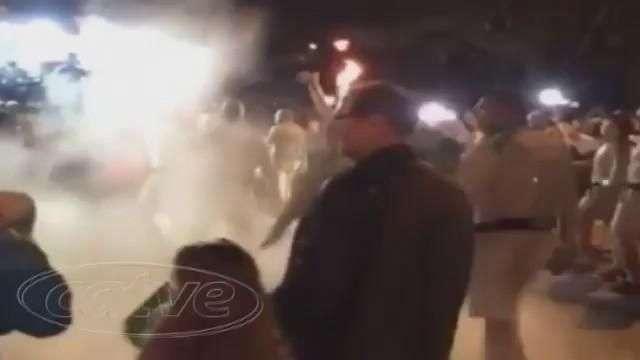 VÍDEO: veja o momento que homem tenta apagar Tocha com extintor
