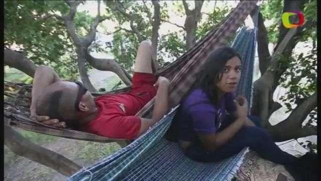 Imigrante venezuelana mora em árvore em Boa Vista