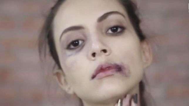 Campanha rechaça TV que ensina mulheres a maquiar violência