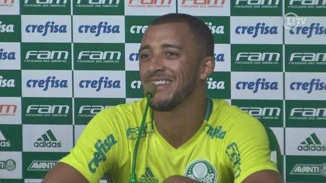Vitor Hugo promete não aliviar para Borja: 'Não dá para tirar o pé'