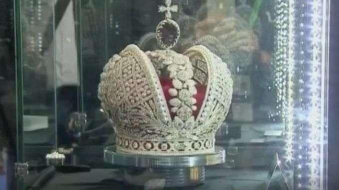 Coroa avaliada em US$ 20 mi é atração da Semana do Diamante