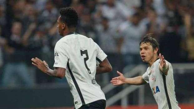 Corinthians supera erro de arbitragem e vence o Dérbi com gol de Jô