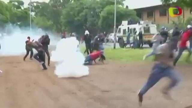 Polícia reprime protesto contra imigrantes na África do Sul