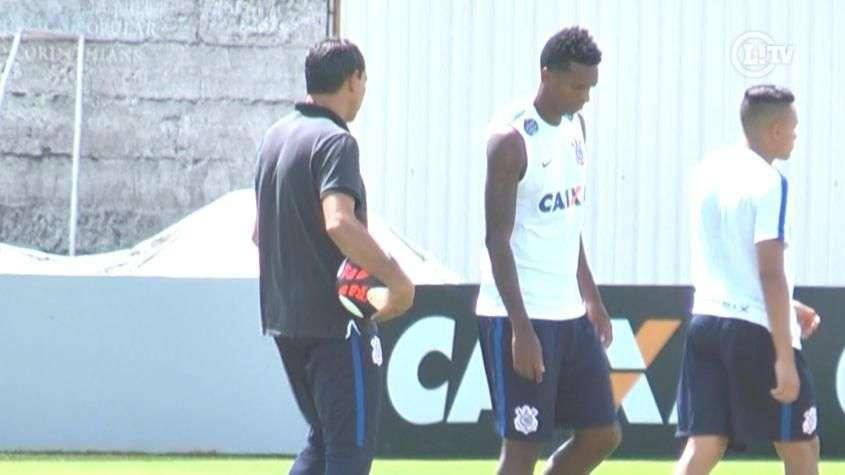Carille ensaia Corinthians com Jô e Kazim no ataque