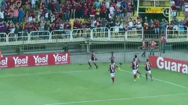 Flamengo vence o Vasco com gol de pênalti e está na final da Taça Guanabara