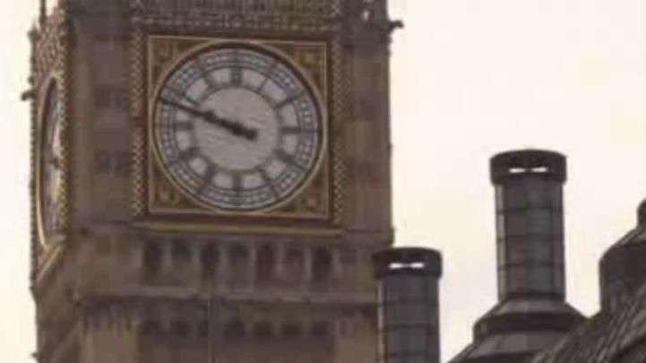 Polícia identifica terrorista de Londres como Khalid Masood