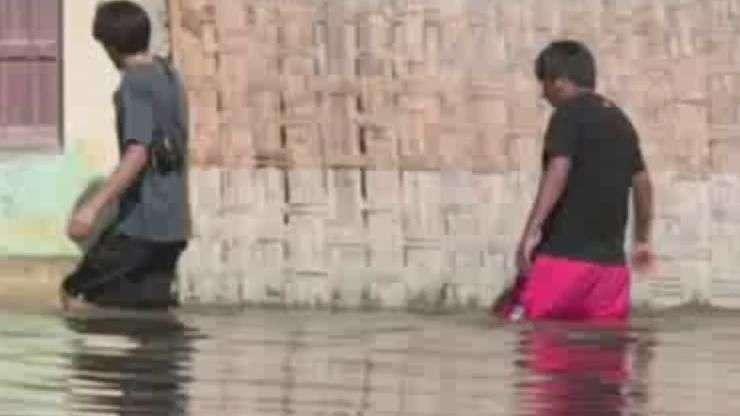 Papa doa US$ 100 mil para vítimas de inundações no Peru